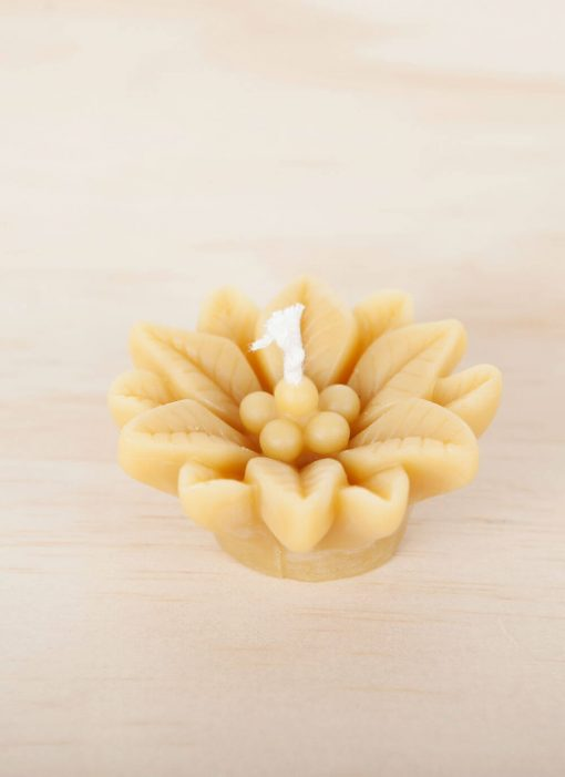 Poinsettia 01 100% pure Beeswax Novelty Candle